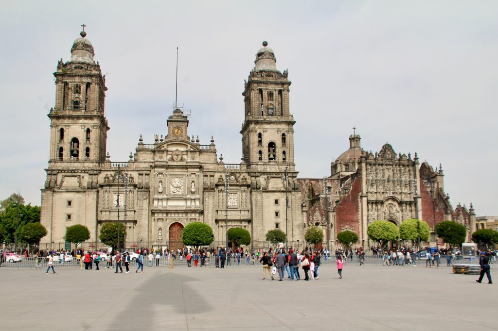 Metropolitan Cathedral, Long Layover in Mexico City